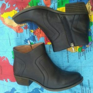 Lucky brand leather black booties 7.5